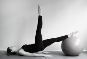 Pilates in acqua e in palestra