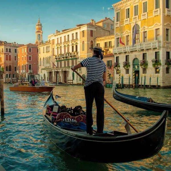 Pernottamento + Giro Turistico Gondola 280€ | Palazzo Selvatico | Venezia | Tel. 3478997642 | Offerta valida fino al 21/12/17