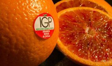 Le arance rosse di Sicilia Igp nei supermercati italiani
