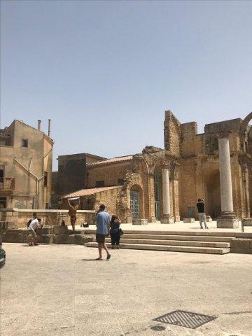 Dolce e Gabbana scelgono Salemi Shooting fotografico in centro storico