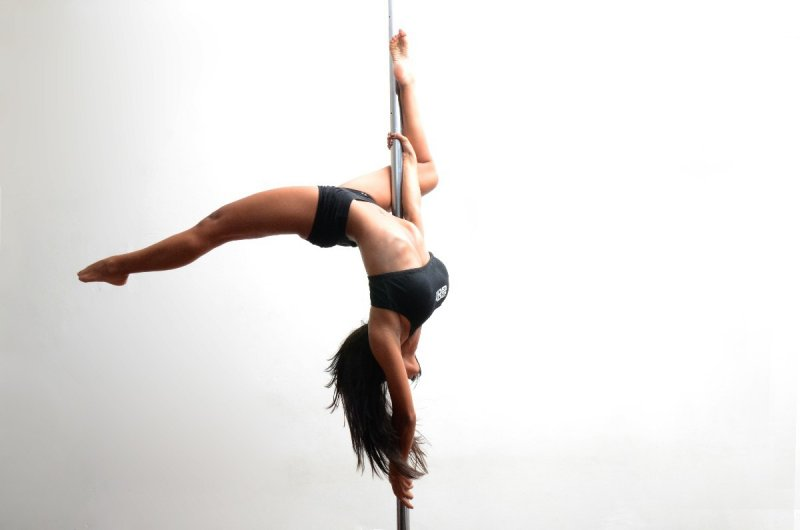 Pole Dance - LIV 2