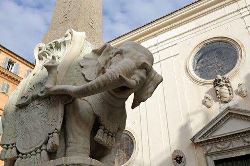 Uno zoo di pietra nel centro di Roma