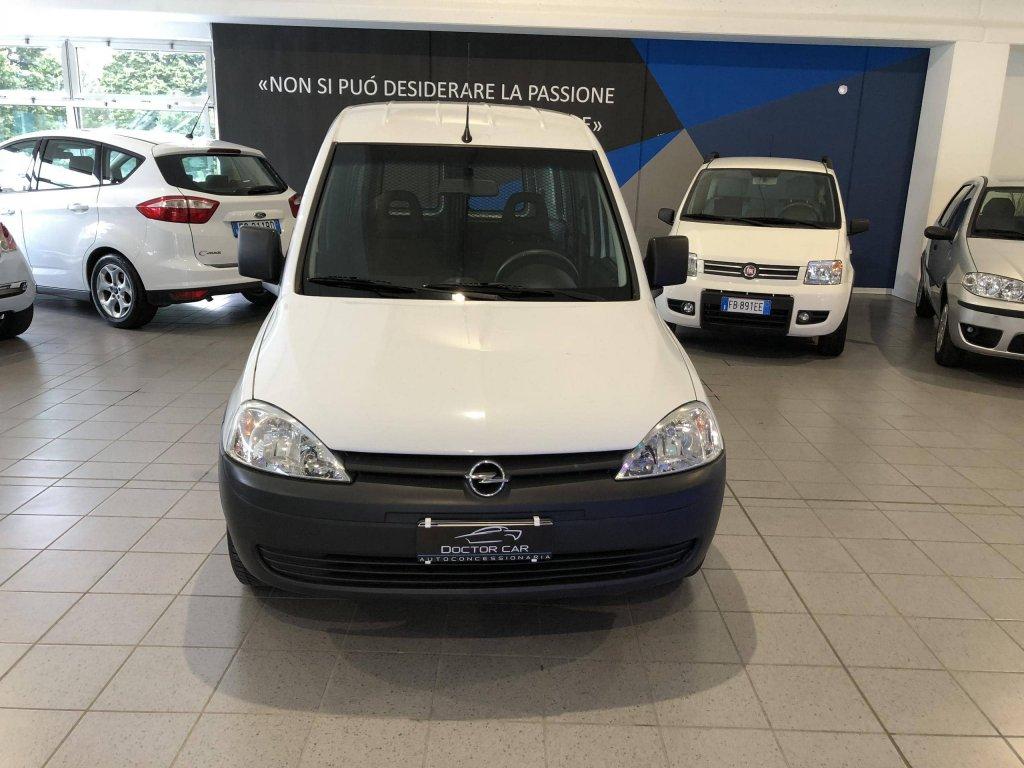 Castelplanio - Opel Combo VAN 1.6cc Metano   Autocarrozzeria Doctor Car   Casteplanio, Via Brodolini, 23   Tel. 3201459011
