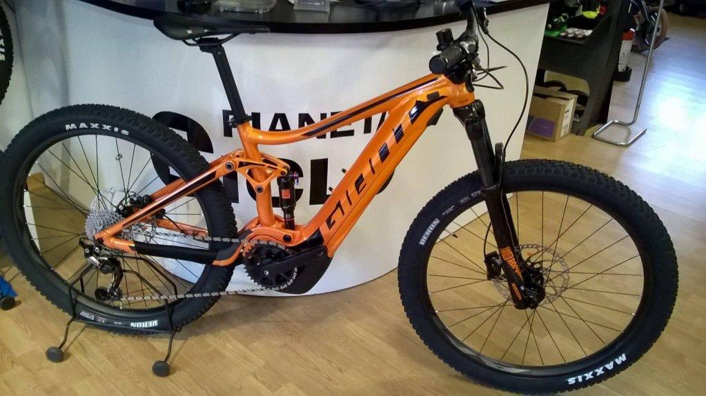 Jesi - E-Bike Giant Stance 1 | Pianeta Ciclo | Jesi, Viale del Lavoro 21 | Tel. 0731213539 | Offerta valida fino al 31/03/19