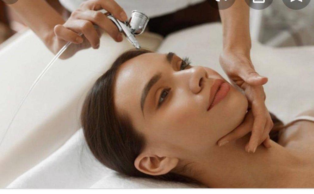 Jesi - Ozonoterapia per Capelli | Chloé Tattoo Estetica Parrucchieria | Jesi, Piazzale Ciabotti 8 | Tel. 3926668643