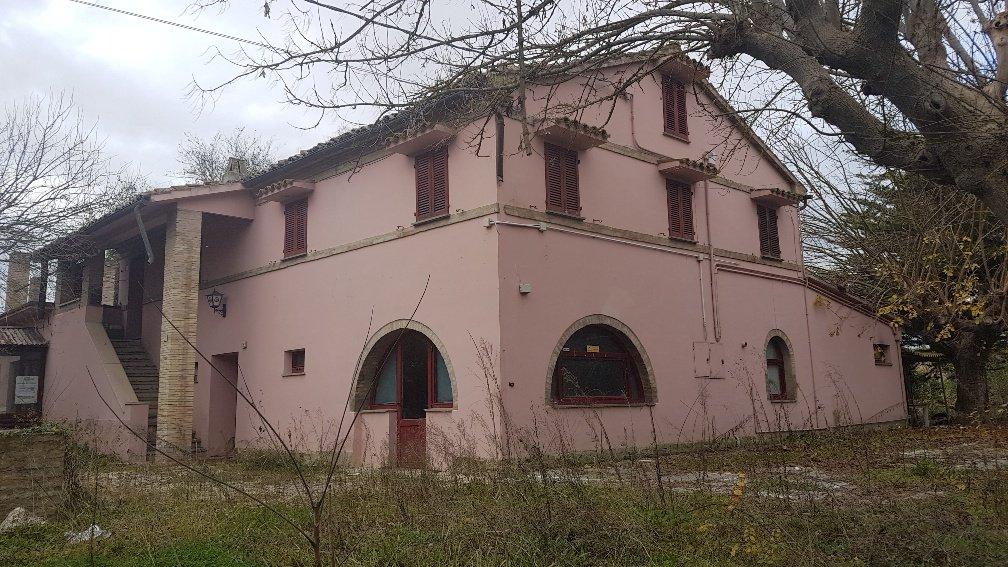 Corridonia - Vendesi intero edificio