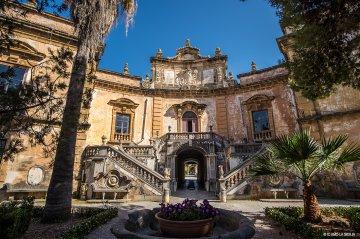 Villa dei Mostri di Bagheria: i misteri di Villa Palagonia
