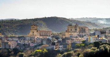 Storie di cui andare fieri (e da copiare): in Sicilia c'è un borgo campione del
