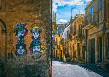 Vacanze sicure in Sicilia: turisti americani vaccinati prenotano tour a Palermo