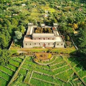 """Castello della Solicchiata, la """"casa del vino"""" che sembra uscita da un dipinto"""