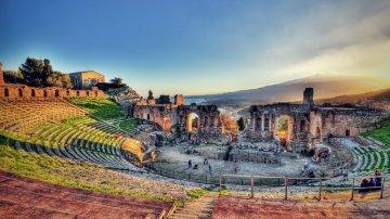 Riapre il Teatro Antico di Taormina, un gioiello della Sicilia