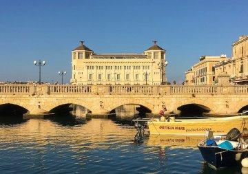 Ponte Umbertino di Siracusa, uno dei ponti più belli d'Italia