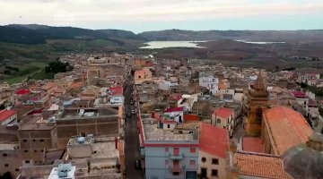 """Parrucchiera di New York compra casa a 1 euro a Sambuca: """"Si è innamorata del borgo siciliano"""""""
