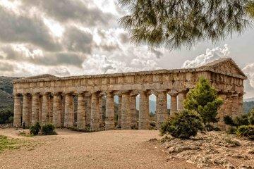 Riprendono gli scavi a Segesta: si indaga nei pressi della Casa del Navarca