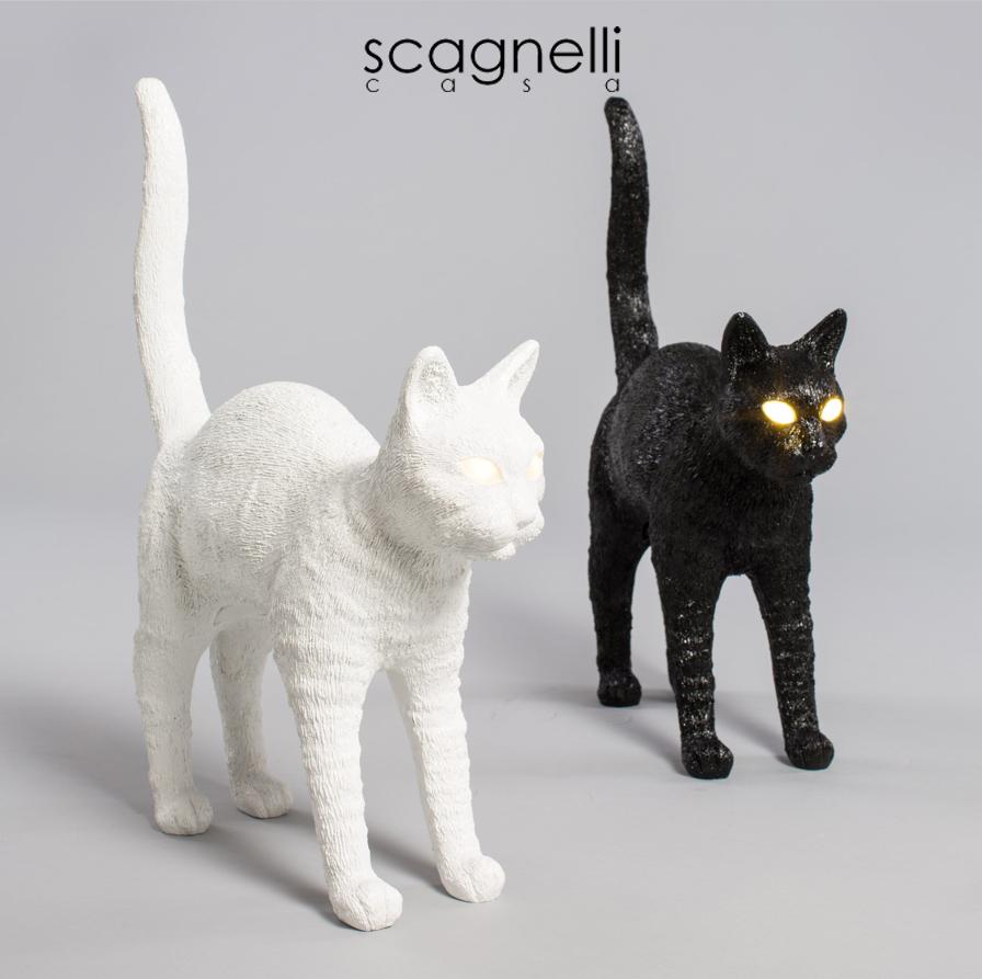 Felix Cat Lamp... può viaggiare da una stanza all'altra come un tipico felino.
