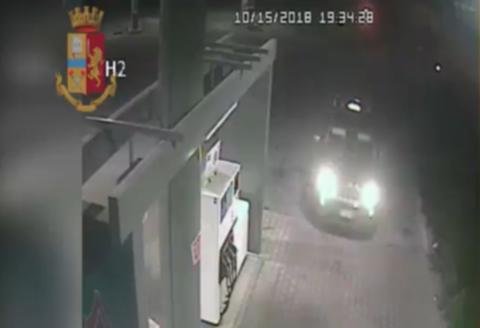 Vigevano24: Sgominata la banda che rubava auto e trattori, rinvenute in un campo a Vigevano tre colonnine per l'erogazione di energia elettrica e acqua potabile