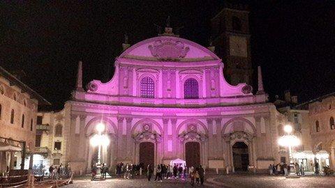 Vigevano24: Vigevano, il Duomo si colora di lilla per la Giornata Mondiale della Prematurità