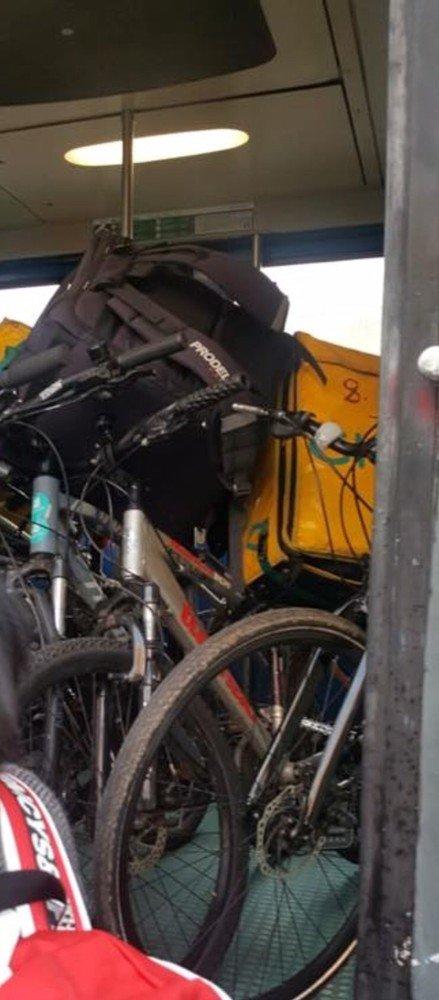 Vigevano24: Problema riders sulla linea ferroviaria Milano-Mortara-Alessandria. In alcuni orari le bici complicano il passaggio